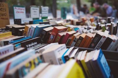 books in an open market